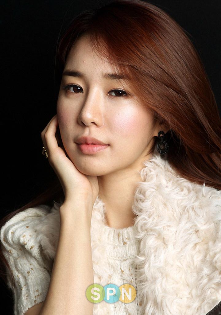 仁显王后的男人演员刘仁娜