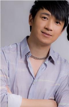 青春的童话演员潘粤明