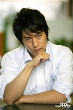 命运的搏击演员朱镇模