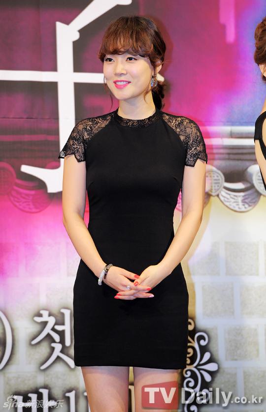 合作演员:林秀香 韩惠琳 成勋 金宝妍 金惠善 白玉丹 任革 李秀贞 全