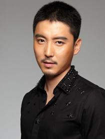 演员王泷正