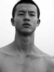 猎狼者演员尹昉