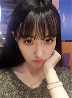 演员黄馨瑶