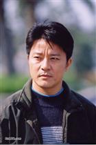 演员郭东文