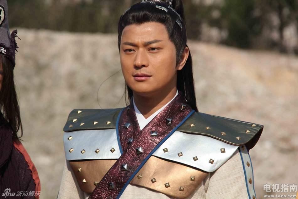 武侯准备亲自会一会济公,暗中跟踪他们的白雪将此事告诉赵斌