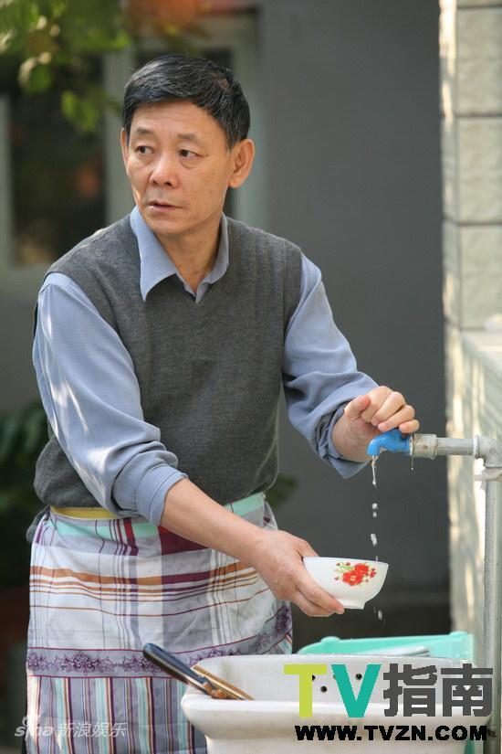 王海涛今年四十一演员表-马大爷扮演者李光复-电视指南