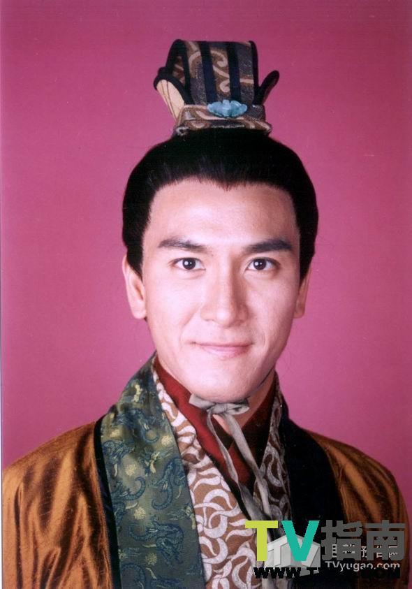 中扮演的变态佬也是入木三分,与叶璇演对戏的《非常外父》中表现也不