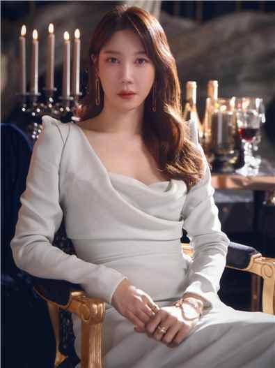 顶楼第三季演员李智雅