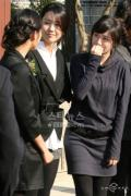 剧照-组图:王和我演员总动员 为庆典剪彩干杯