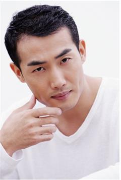 中国轨道演员艾东