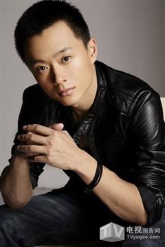 警察遇到兵演员吴健
