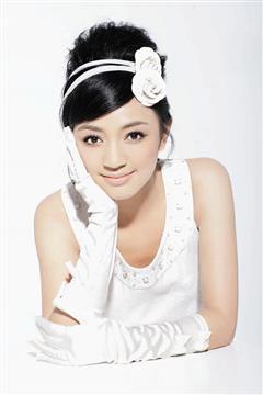 美丽婚纱演员罗海琼