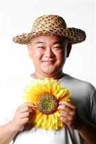 演员王鹤鸣