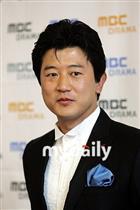 演员朴尚民