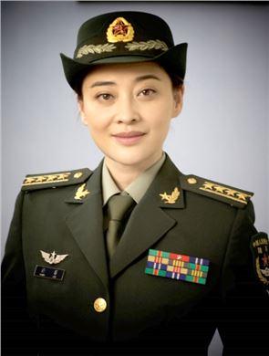 佟菲扮演者梅婷