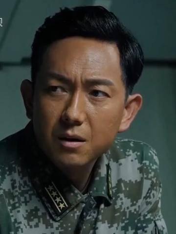 褚战刚扮演者关亚军